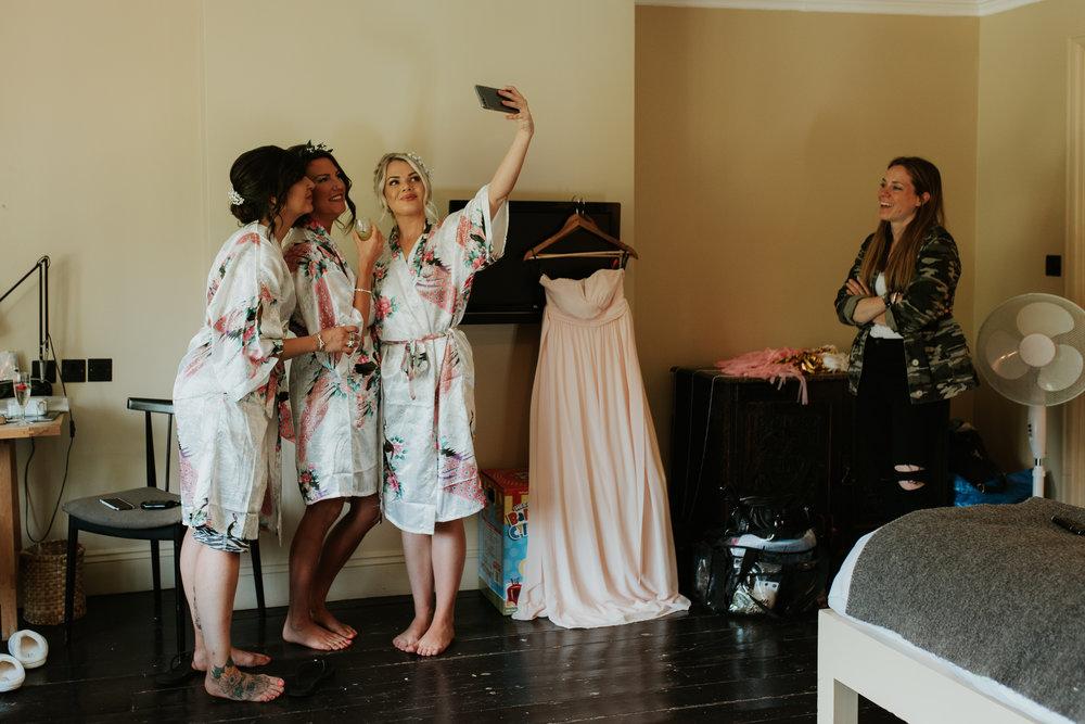 Fun-wedding-photographer-11.jpg