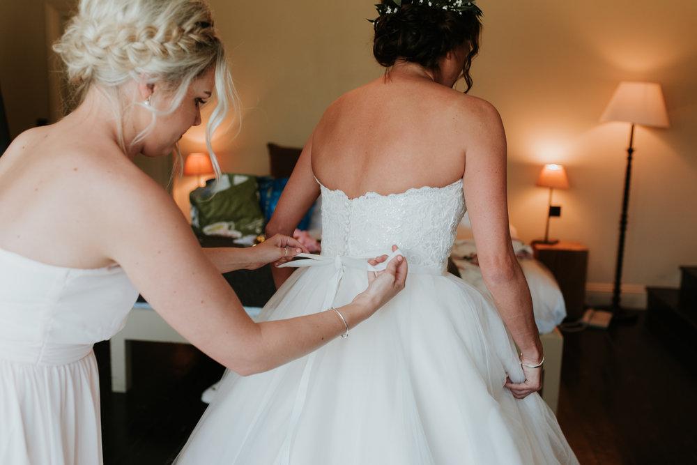 Fun-wedding-photographer-13.jpg