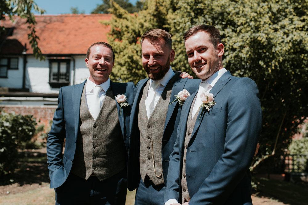 Fun-wedding-photographer-18.jpg