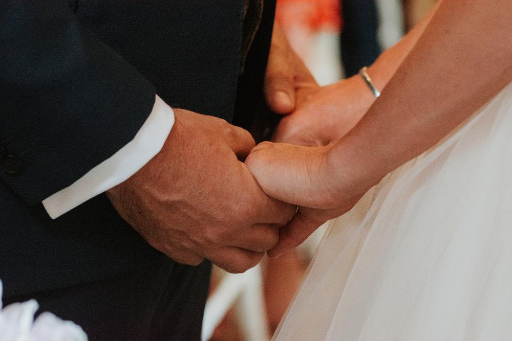 Fun-wedding-photographer-26.jpg