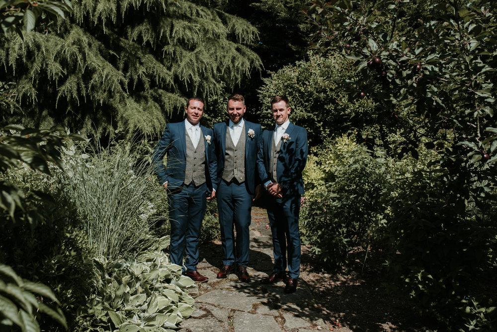 Fun-wedding-photographer-38.jpg