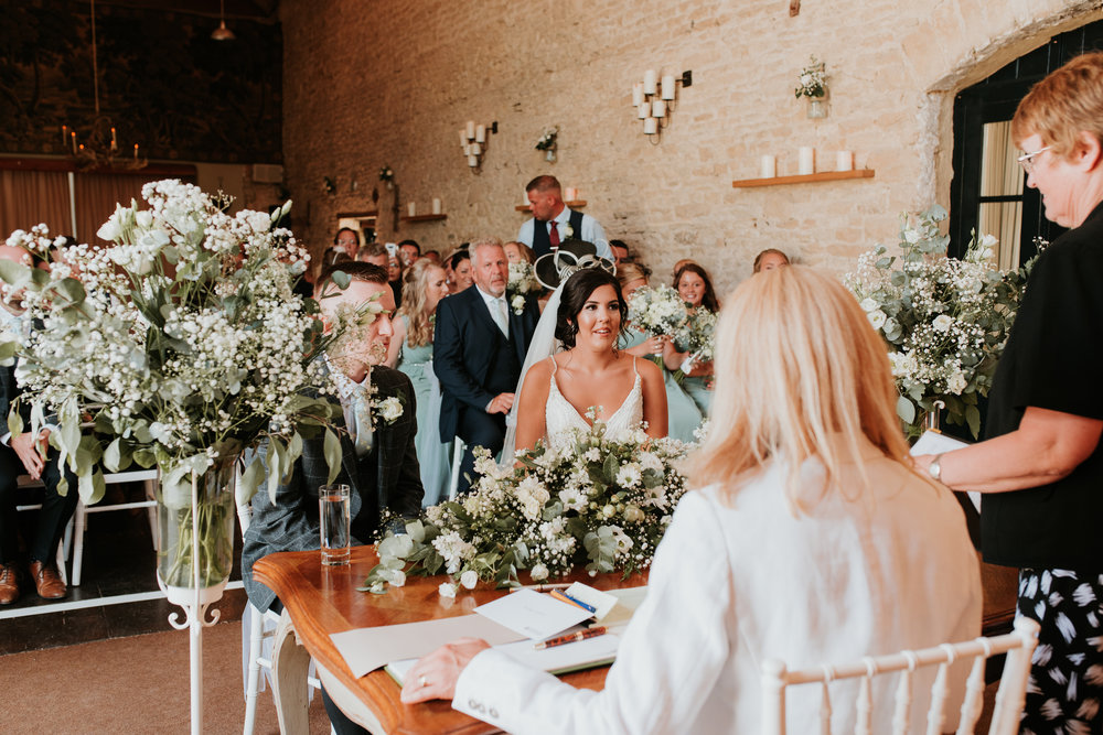 beautiful barn wedding Oxfordshire