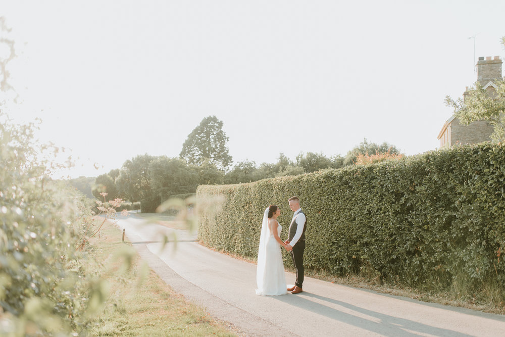 natural wedding photographer Oxfordshire