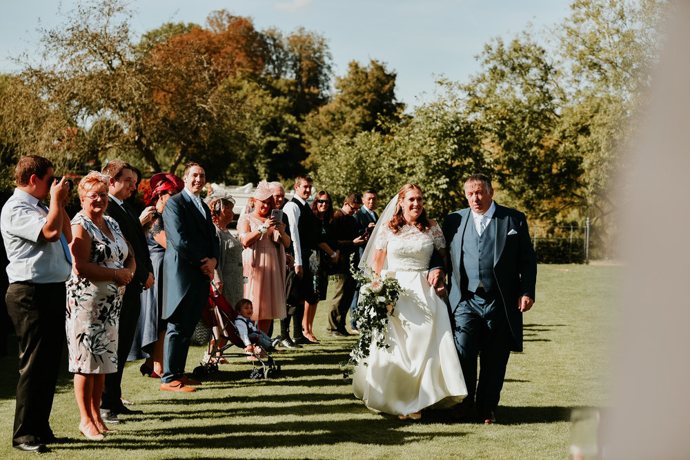 Bride arriving with Dad Sonning