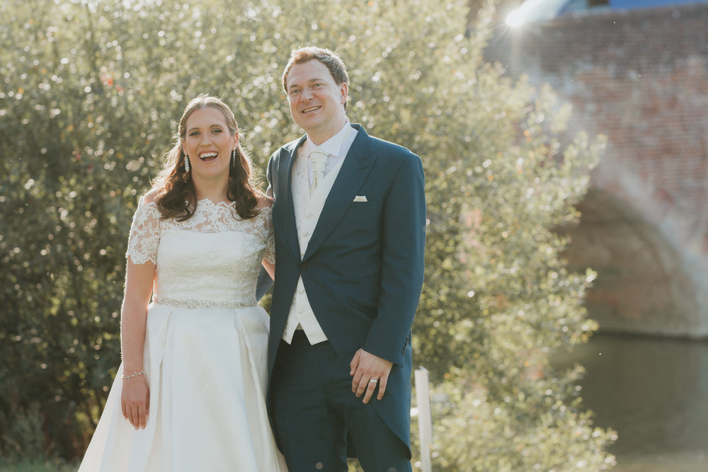 Relaxed wedding photographer Sonning