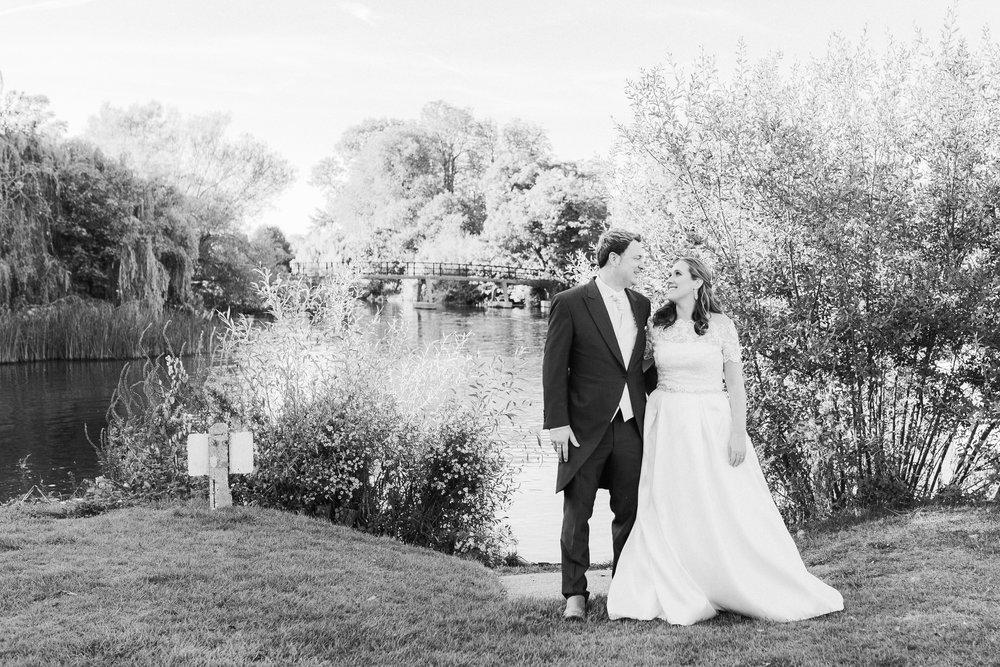 Riverside wedding Berkshire