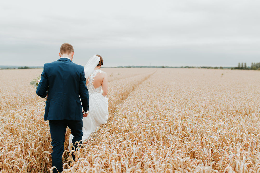 outdoor wedding photographer Oxfordshire