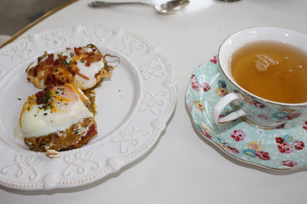 Egg muffin; Green Tea