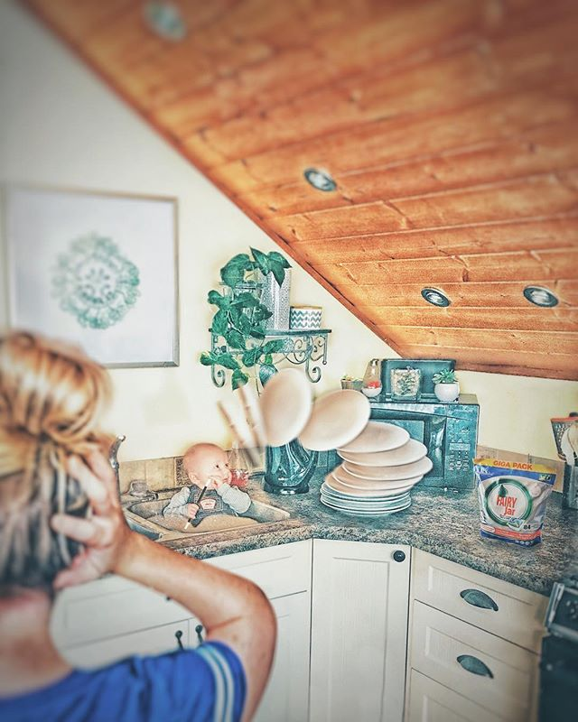 Magical dishwasher ————————————————-————————— #whpdressup #ps_magic #madewithcc #momlife #momlifebelike#universalart #enter_imagination #awesome_surreal #edits_of_our_world #edit_grams #thecreativers #visual_creatorz #igcreative_editz #visualsmovement #enchantedchildhood #wildandfreechildren #manipulationclan #momproblems #ourchildrenphoto #neatfreak #creative_ace #watchthisinstagood #strangertonez #leagueoflenses #2018babies #weeklyfluff #worldoflittles #mommyblogger #nationalsupermomsday2018 #xceptionaledits