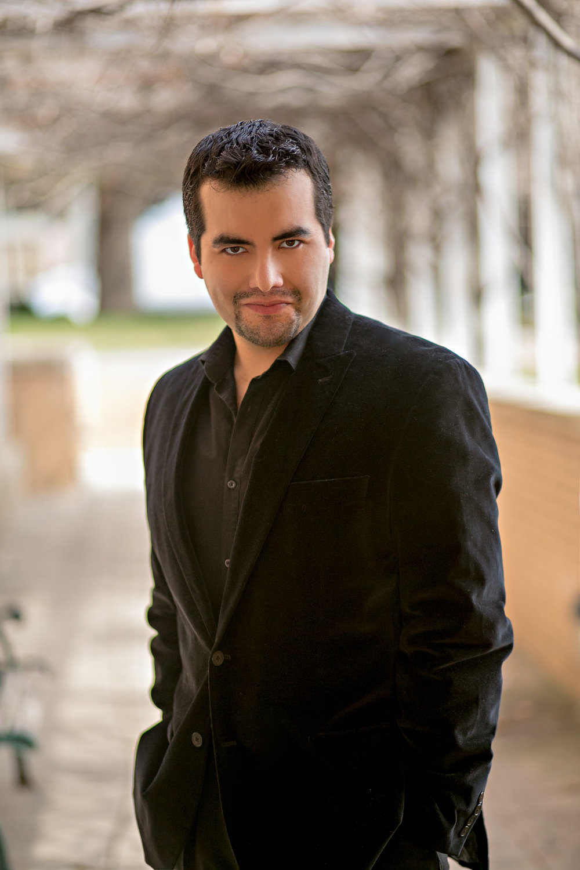 Javier Arrey , baritone  December 2017