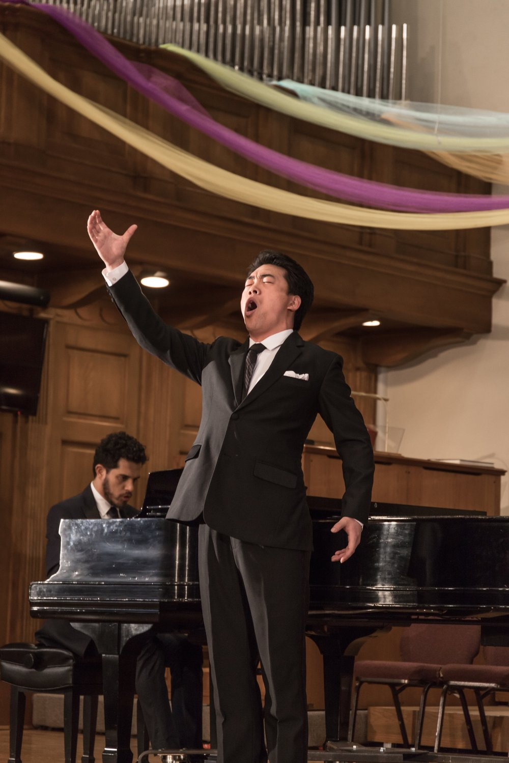 Chunlai Shang, baritone