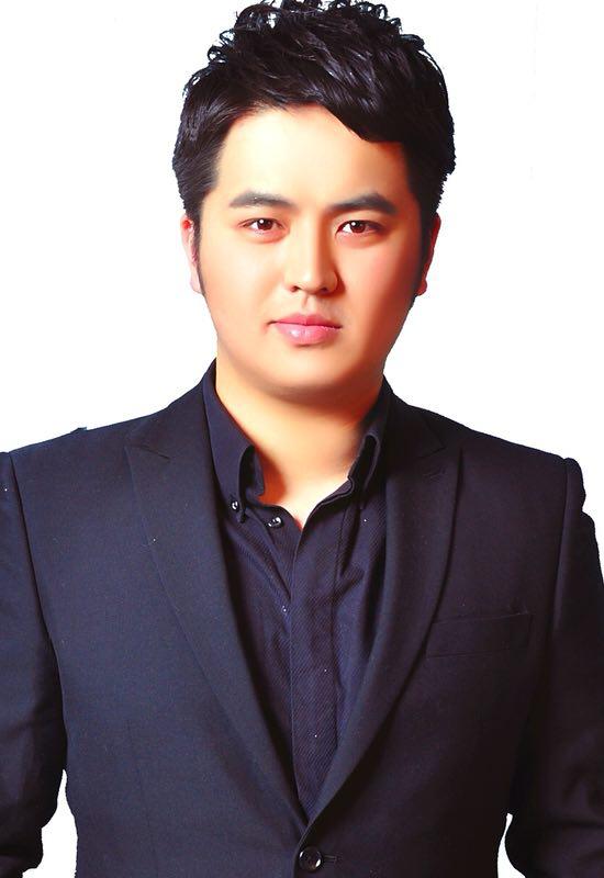 Yang Wang, tenor