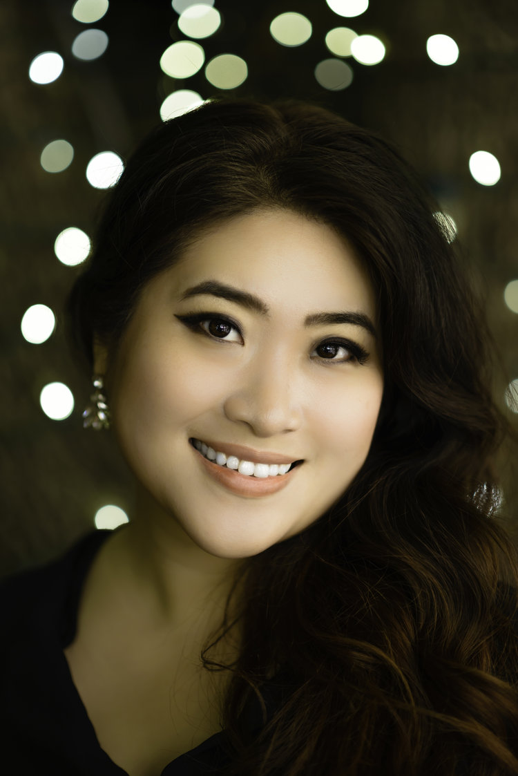 Youna Hartgraves, soprano