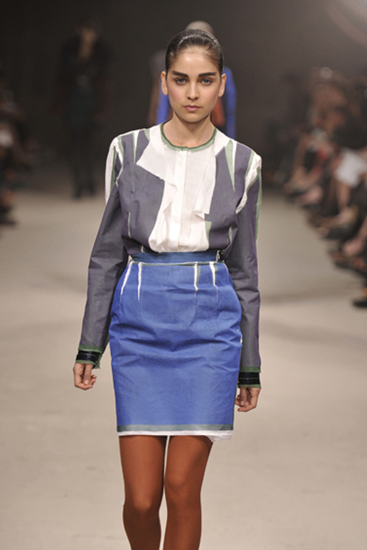 catwalking_shirt_skirt.jpg