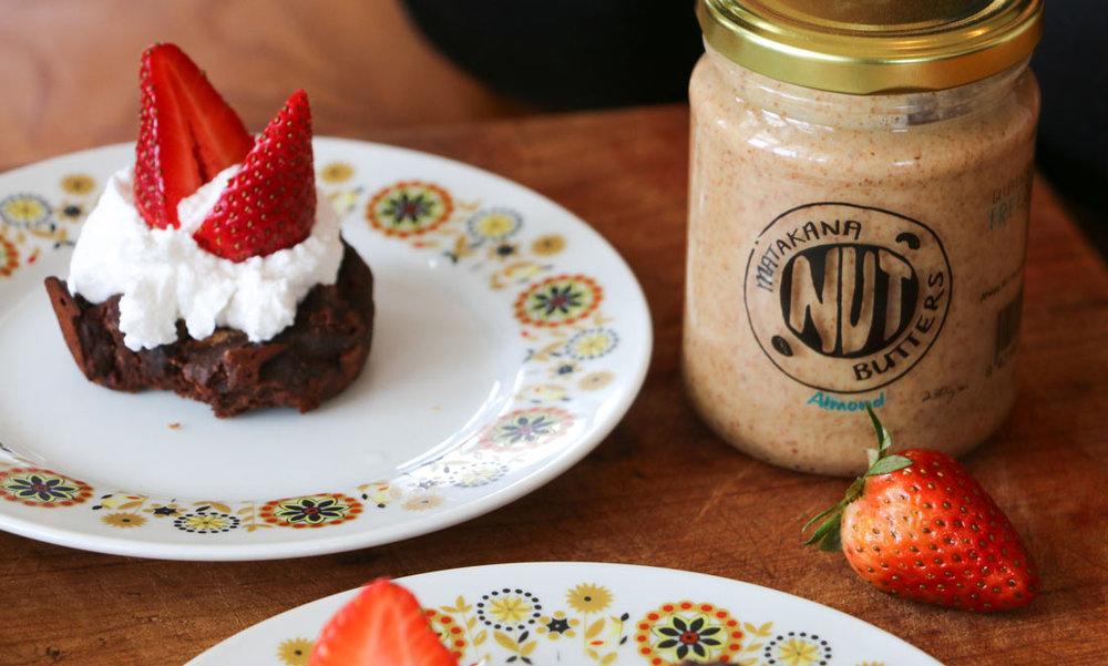 Almond-jar-with-brownie.jpg