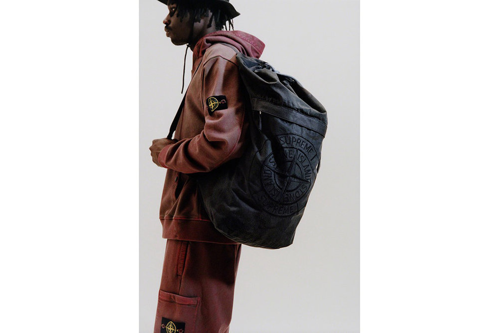 Newspread_Unveiling_The_Supreme_x_Stone_Island_2019_Spring_Summer_Collection_07.jpg