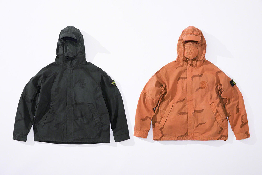 Newspread_Unveiling_The_Supreme_x_Stone_Island_2019_Spring_Summer_Collection_09.jpg
