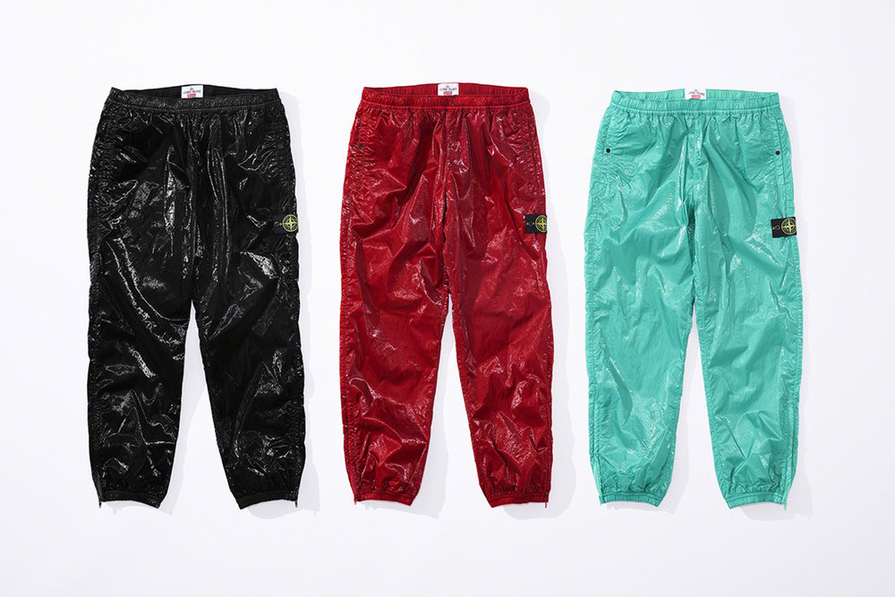 Newspread_Unveiling_The_Supreme_x_Stone_Island_2019_Spring_Summer_Collection_15.jpg