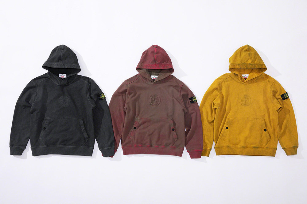 Newspread_Unveiling_The_Supreme_x_Stone_Island_2019_Spring_Summer_Collection_16.jpg