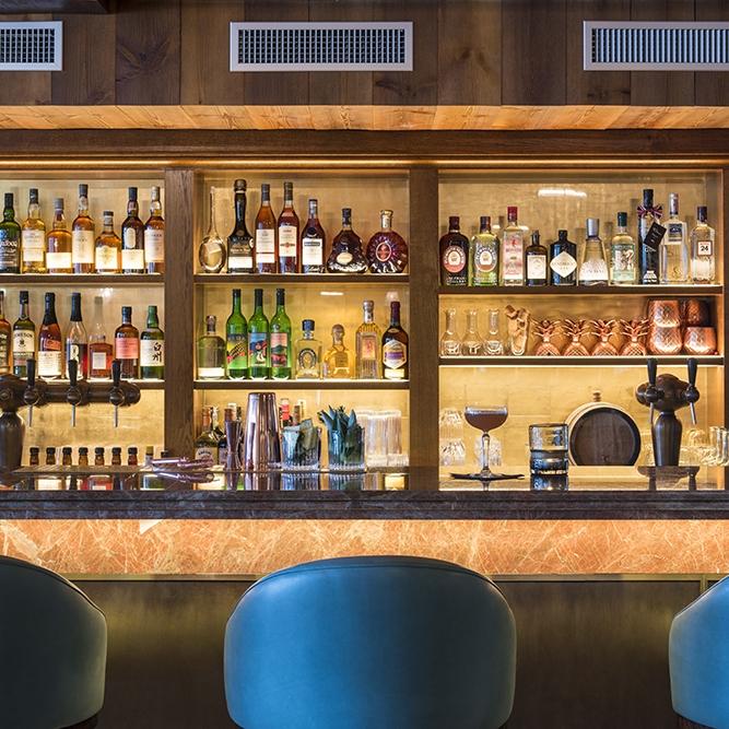 Vie Montagne - Club Room 2 Restaurant Verbier.jpg