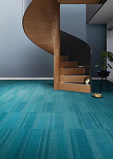 Interface-Luxury-Living--Teppichfliesen-selbstliegend-verlegung-Office-und-DIY-1.JPEG