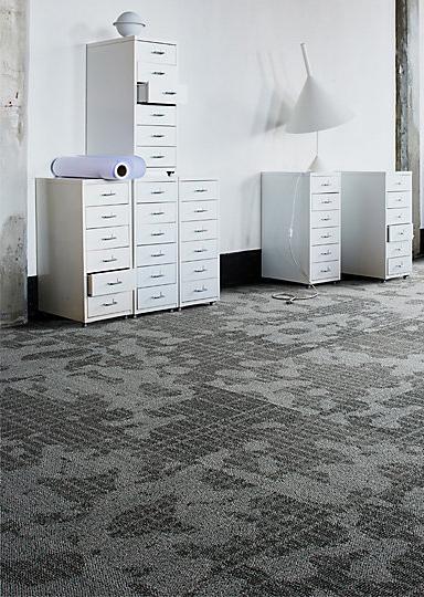 Interface-Mellopolis-Teppichfliesen-selbstliegend-verlegung-Office-und-DIY-2.JPEG
