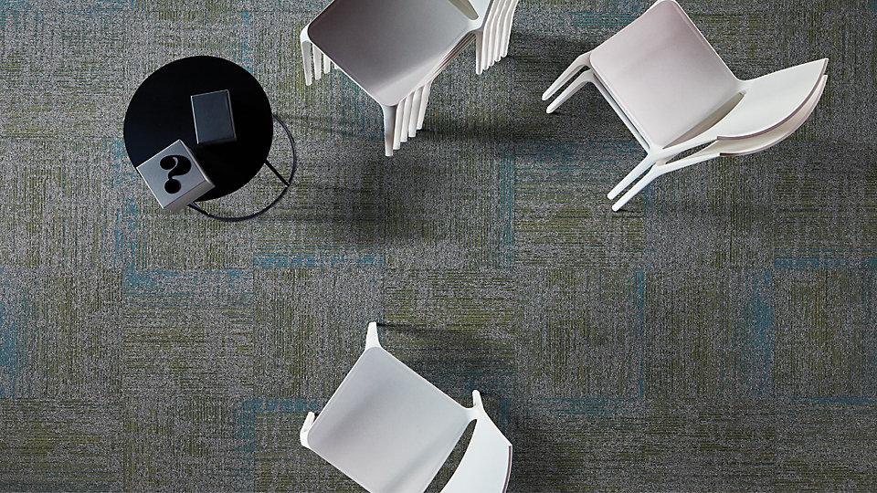 Interface-Vintage-Teppichfliesen-selbstliegend-Verlegungen-Office-auch-DIY-3.JPEG