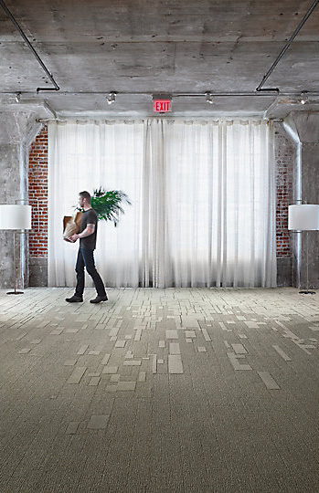 Interface-EM551-Teppichfliesen-selbstliegend-Verlegungen-Office-auch-DIY-5.JPEG
