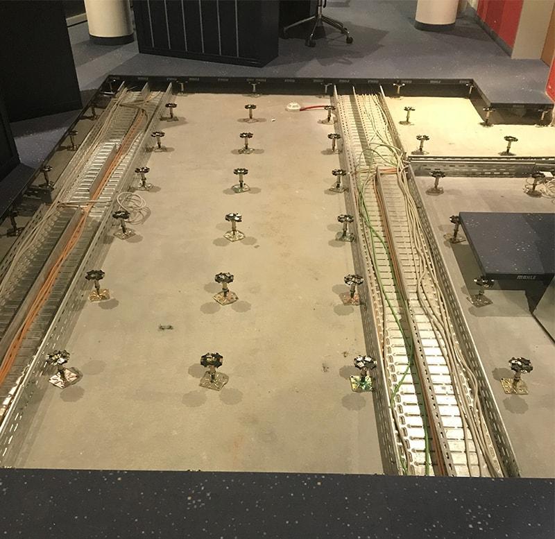 Vorwerk-Varia-Bedruckt-DoppelbodenSanierung-DOBO-schälen-Teppichfliesen-verlegen-SL-Fliesen-min.jpg