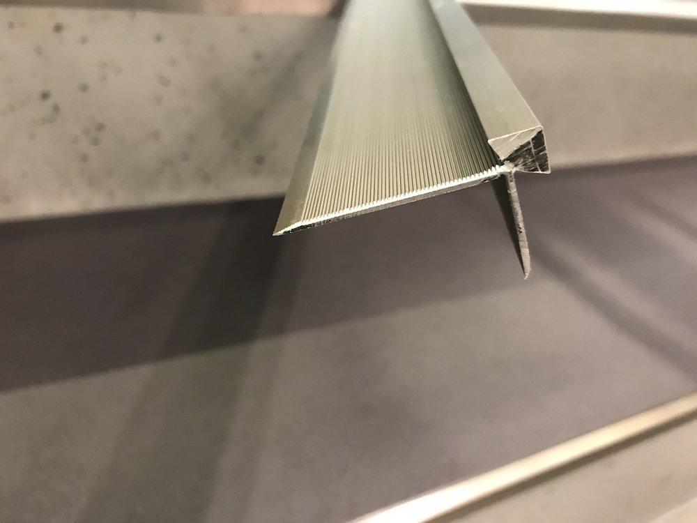 Bodenlag-Designfliesen-Doppelbodenrenovierung-Doppelboden-DOBOTEC-Objectflor-Simplay-selbstliegend-Hewlett-Packard00012.jpg