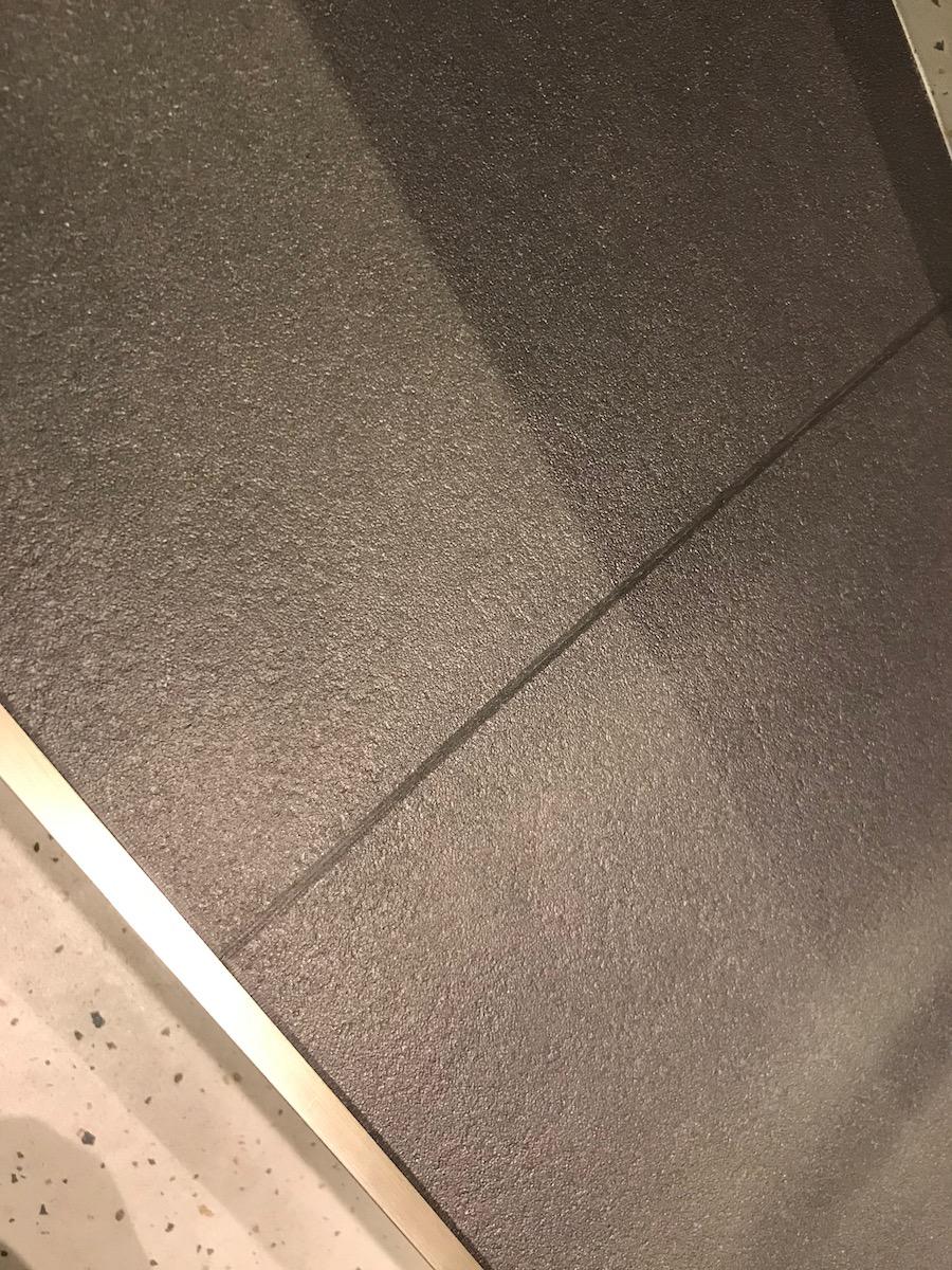 Bodenlag-Designfliesen-Doppelbodenrenovierung-Doppelboden-DOBOTEC-Objectflor-Simplay-selbstliegend-Hewlett-Packard00013.jpg