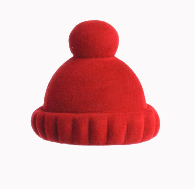 chapeau E - fond gris.jpg