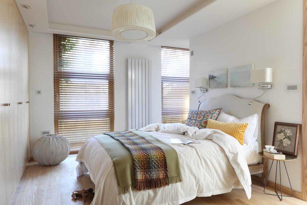 AJ_400_104  bedroom.jpg
