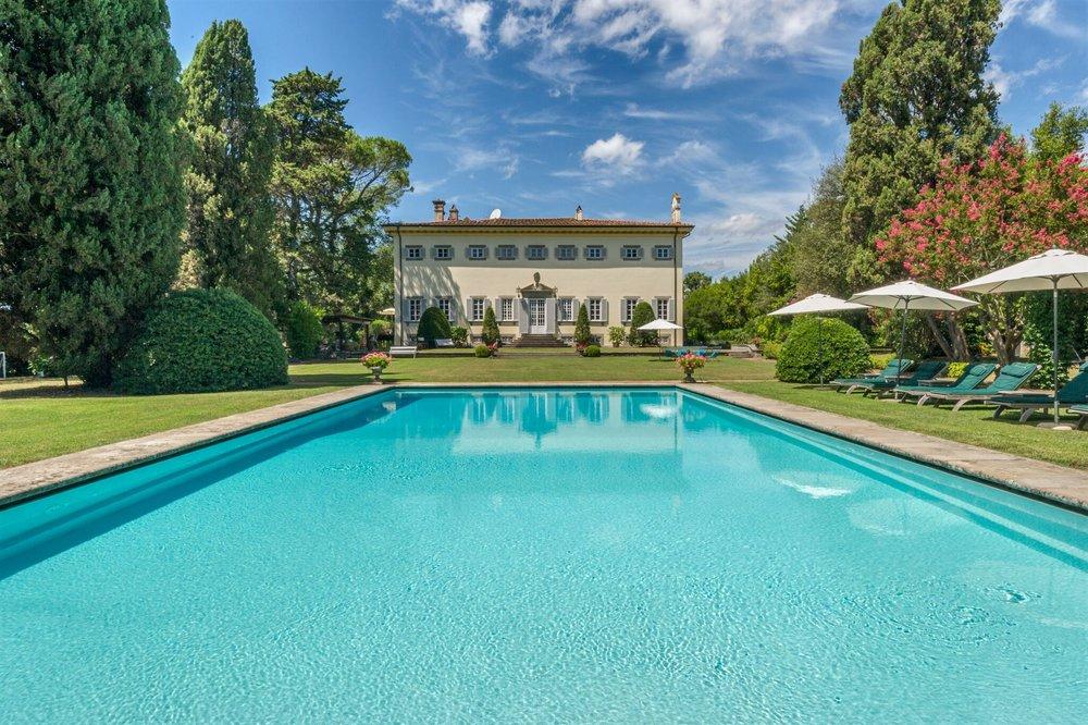 3. Villa Donati Pool _ House _preview.jpg