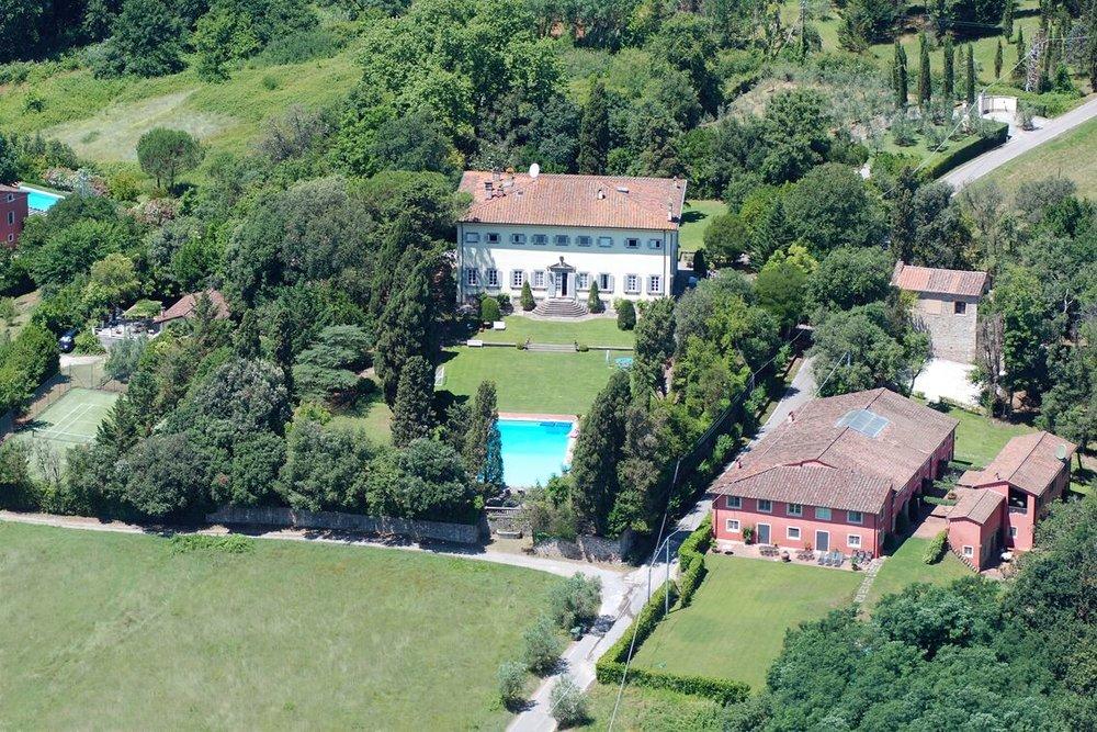 1. Villa Donati aerial  _preview.jpg