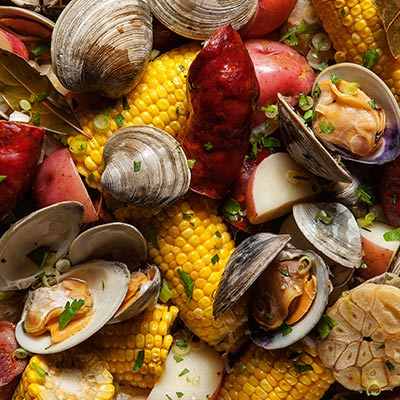Web-Category-Clam-Boil-Summer-2015-What-To-make-for-large-parties-seafood-corn-potatoes-entertaining-recipes.jpg