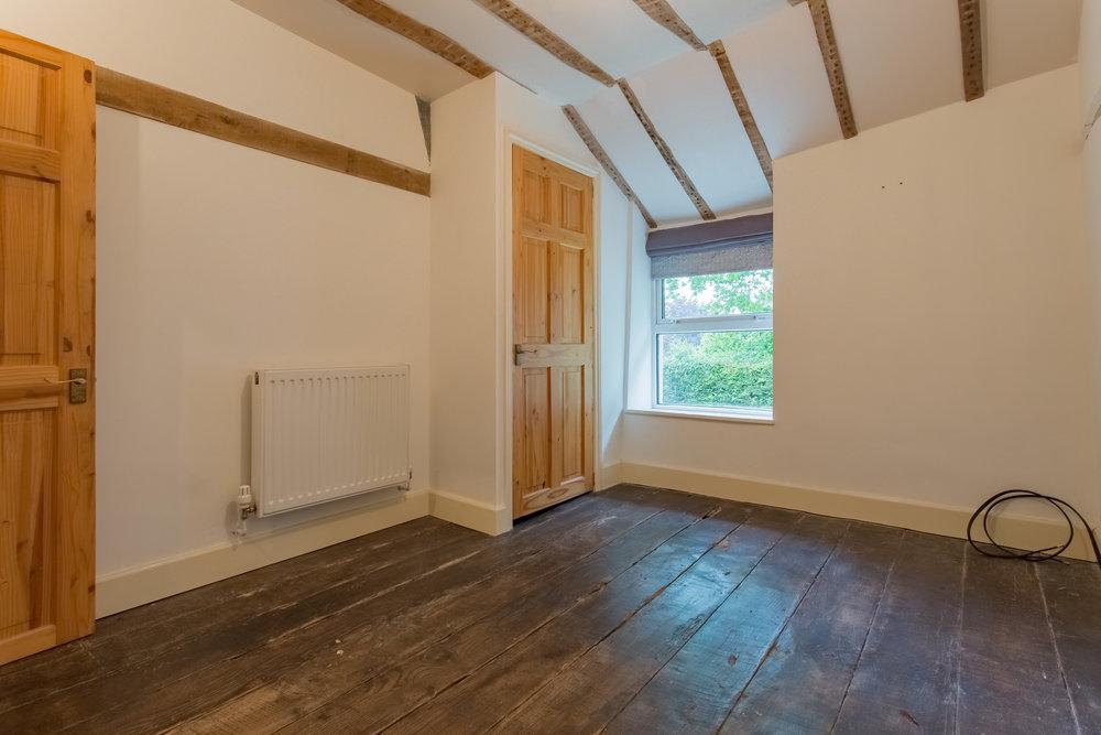 Single Guest Room 9.jpg