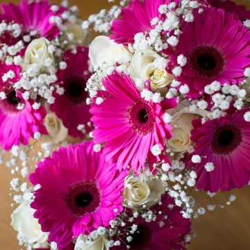 bright-pink-bouquets.jpg