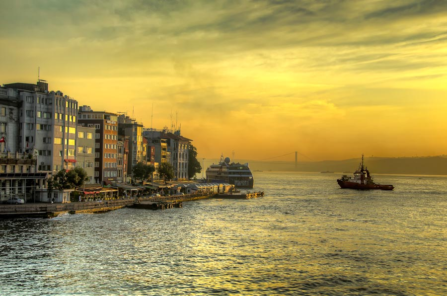 Sunrise over the Bosphorus and Golden Horn, Istanbul, Turkey