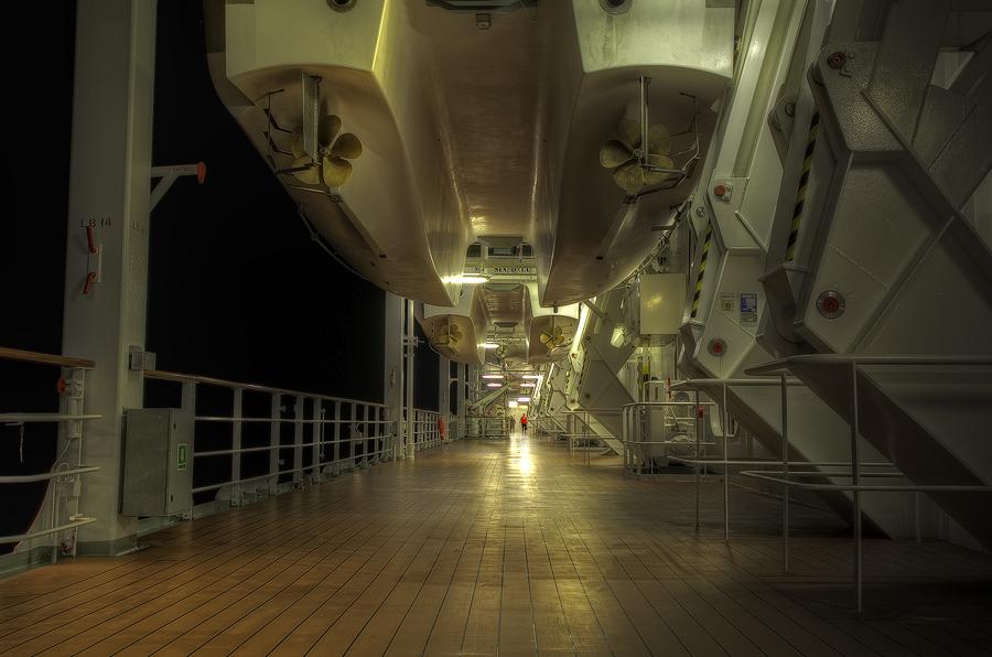 Sinfonia lifeboat deck (Photomatix)