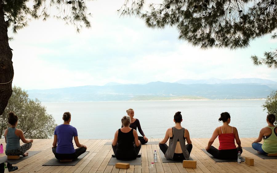Glo_retreats_yoga.jpg