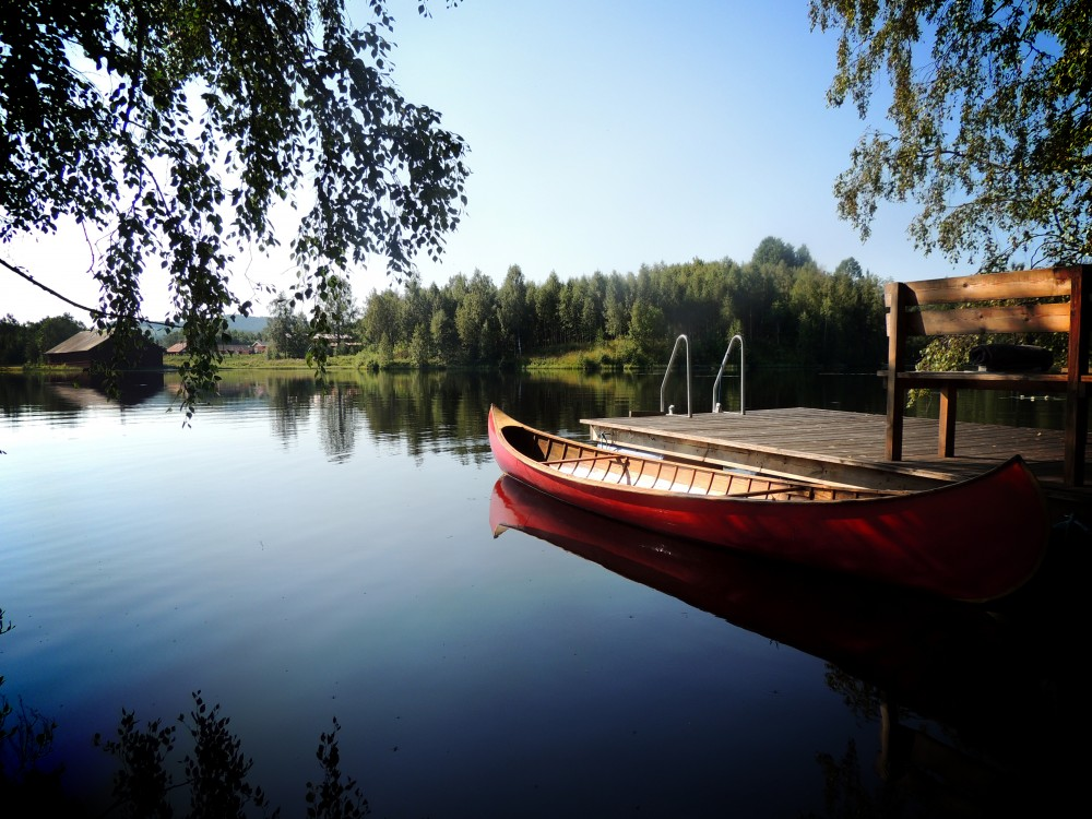 Glo_retreats_lake.jpg