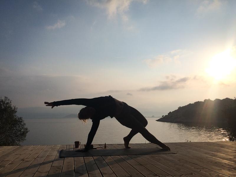Glo_retreats_yoga2.jpg