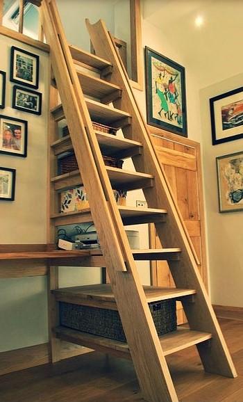 oak staircase.jpg