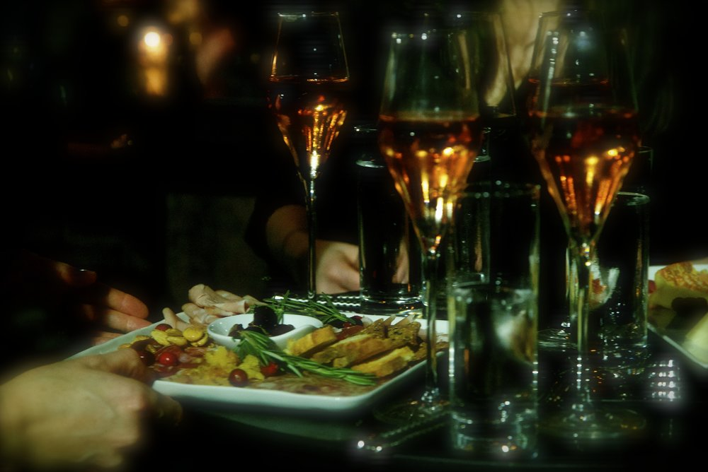 redpony_champagne.jpg