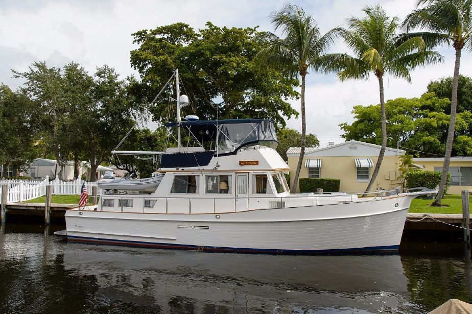 Grand Banks 1989 Model 46 Classic - MYSTIC