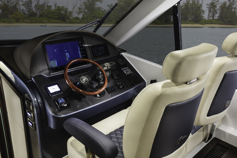 GT50-Helm-1 copy.jpg