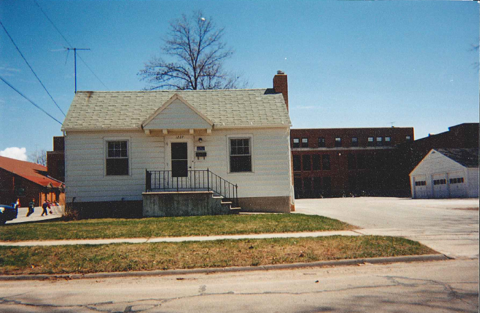 Einstein Project's first home on 13th Street, Downtown Green Bay in 1991.