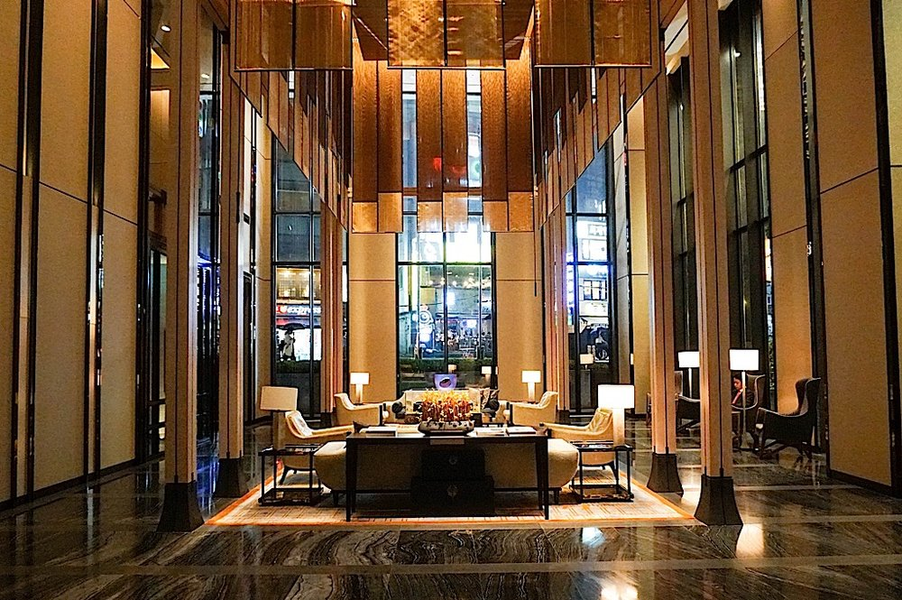 Four Seasons Hotel Seoul Lounge  Photo Credit: DailyKongfidence