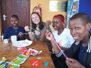 Making friendship bracelets! From left – Amina, Lissy, Debrah, and Sarafina